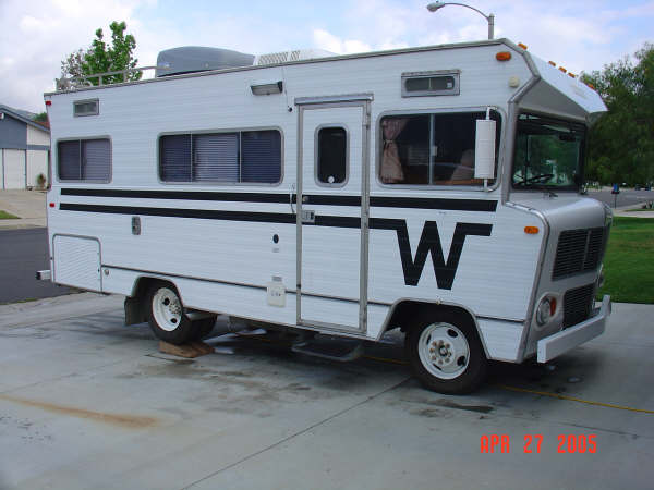 winnebago motorhome pictures by model year the traditional classic rh ballew org 1975 Winnebago Brave Interior 1975 Winnebago Brave Interior